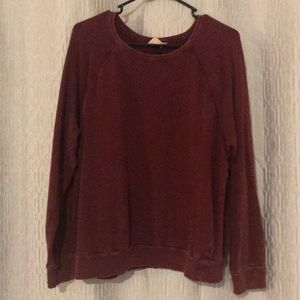 M Maroon sweater